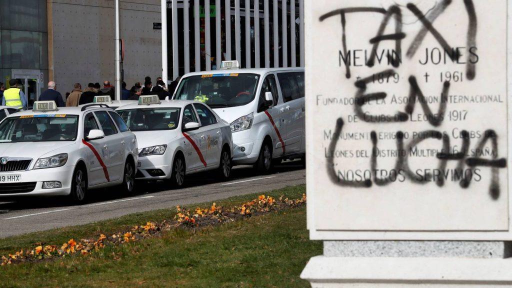Día crucial en el conflicto del taxi en Madrid