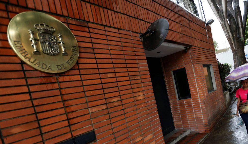 España protegerá su embajada